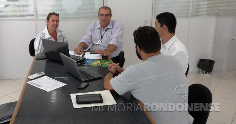Helio Sackser, segundo da esq. a direita, de óculos, primeiro presidente do extinto Clube Rondonense de Xadrez.  Imagem: Acervo citapema - FOTO 10 -