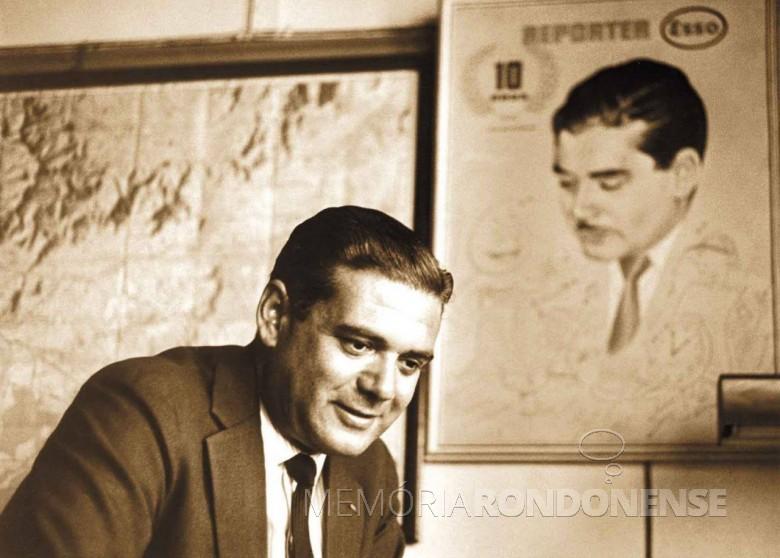 Heron Domingues, um dos grandes comunicadores brasileiros, apresentador do conceituado Reporter Esso e depois do noticiário televisivo da TV Globo, Jornal da Noite e do Jornal Internacional.  Imagem: Acervo tab - FOTO 2 -
