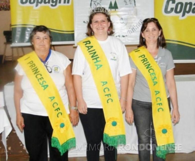 Rainha e princesas da ACFC 2011: Rainha Janice Pauli; 1ª - Princesa Celiria Weber; e 2ª Princesa Rosemeri Wochner. Comunicação Copagril/Foto: Arquivo ACJC - FOTO 9  -