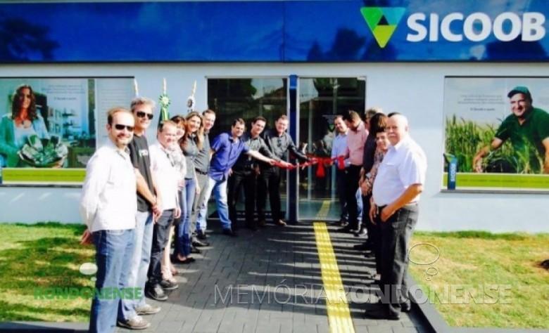 Momento oficial de inauguração da nova sede da agência da SICOOB - Marechal Cândido Rondon na sede municipal de Quatro Pontes. Imagem: Acervo AquiAgora – FOTO 9 -