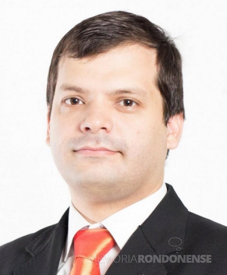 Cristian Rafael Ramirez Villanueva, vice-presidente da JCI para as Américas, que visitou a JCI Marechal Cândido Rondon, em 19 de junho de 2016. Imagem: Acervo JCI - FOTO 9 –