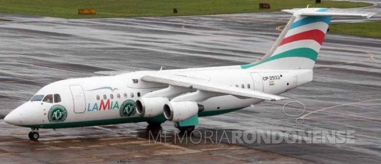 Avião da LaMia adesivado com o símbolo da Associação Chapecoense de Futebol .  Imagem: Acervo Veja-Abril.com - FOTO 8 -