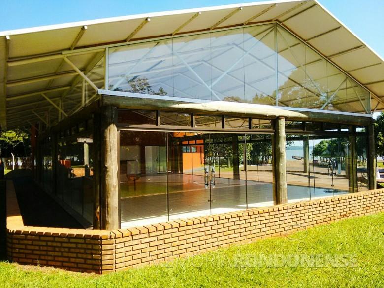 Restaurante Panorâmico, de propriedade da Prefeitura Municipal de Marechal Cândido Rondon, no Parque de Lazer em Porto Mendes.  Imagem: Imprensa PM-MCR Crédito: Ademir Herrmann - FOTO 56-