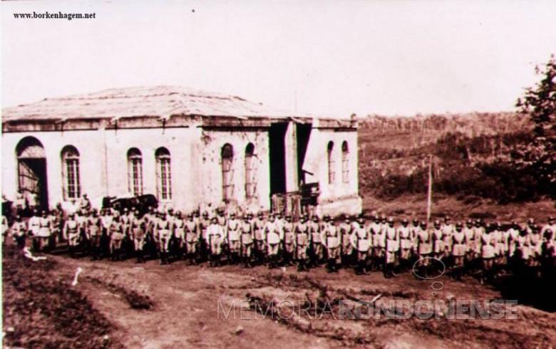 1ª guarnição da Colônia Militar de Foz do Iguaçu.  Imagem: Acervo Waldir Guglielmi Salvan, de Foz do Iguaçu - FOTO 2 -