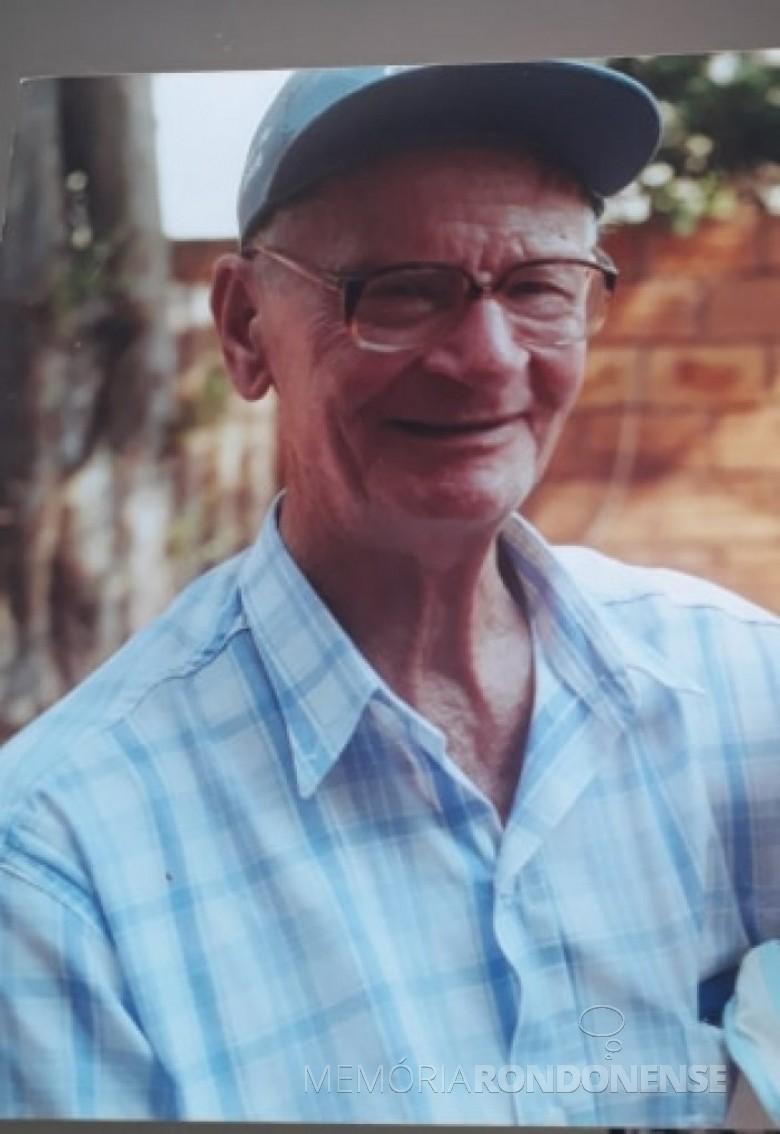 Pioneiro quatropontense Zacarias Francener, falecido em final de março de 2003.  Imagem: Acervo Dirce Francener - FOTO 4 -