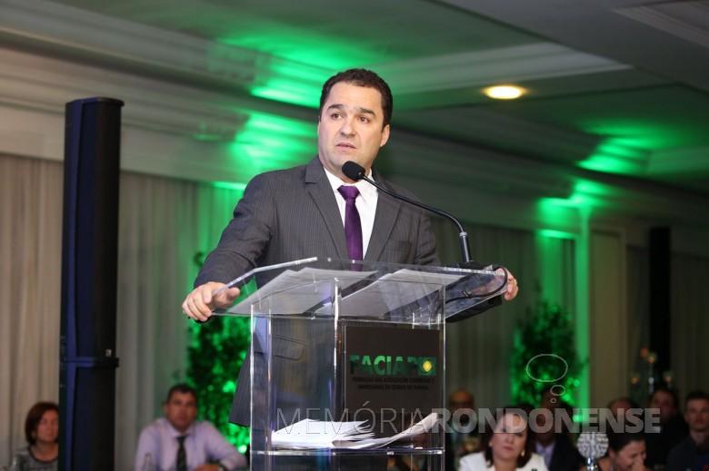 Empresário Marco Tadeu Barbosa em seu discurso de posse como presidente da FACIAP, gestão 2017/2018. Imagem: Acervo Faciap - FOTO 8 -