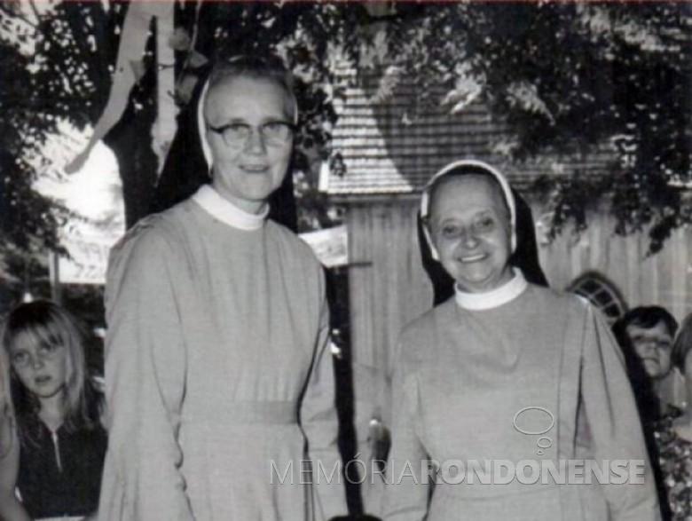 Irmãs Adelhard(e) e Maria Gertildes, reliogiosas pioneiras da Divina Providência, em Marechal Cândido Rondon. Imagem: Acervo Memória Rondonense - FOTO 1 -