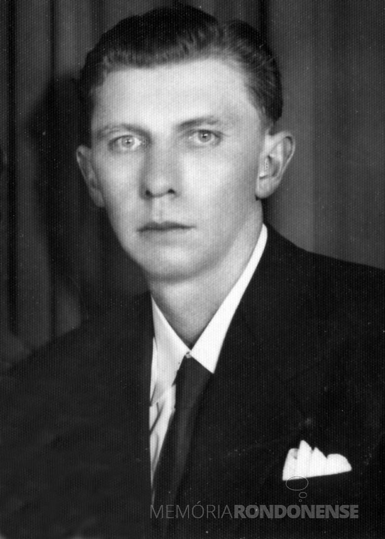 Henrique Sturm primeiro subprefeito oficialmente nomeado para o então distrito de General Rondon, em foto de 1958.  Imagem: Acervo Rafael Sturm - FOTO 2 -