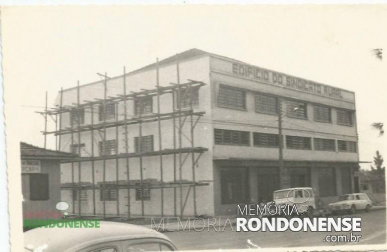 Prédio do Sindicato Rural de Marechal Cândido Rondon onde a sede administrativa da entidade de classe. Imagem: Acervo Memória Rondonense - FOTO 1 -