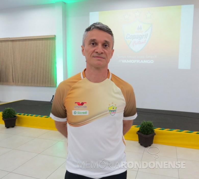Técnico Paulinho Cardoso que deixou a Copagril Futsal em maio de 2019.  Imagem: Acervo O Presente - Crédito: Joni Lang - FOTO 6 -