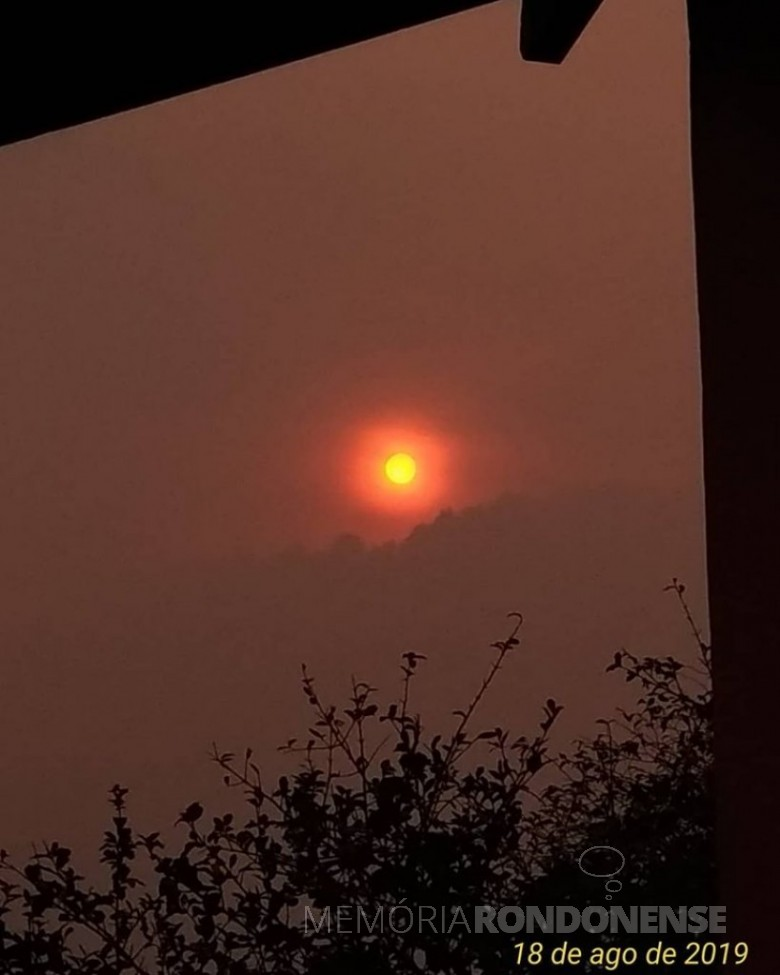 Sol a tarde em Marechal Cândido Rondon encoberto pela fumação oriundo do incêndio no Parque Nacional da Ilha Grande.  Imagem: Acervo Luciano Palagano - FOTO 14 -