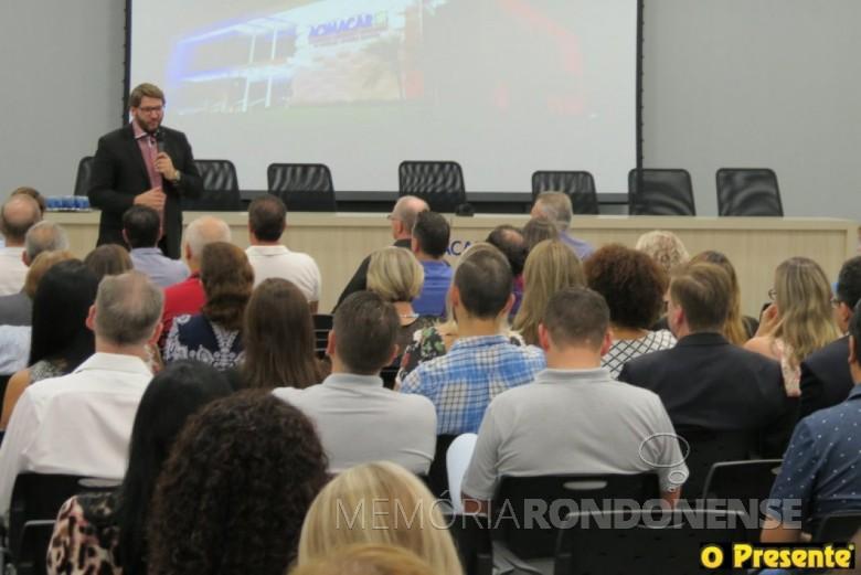 Evandro Razzato em sua palestra no evento de posse do Codemar.  Imagem: Acervo O Presente  - FOTO 6-