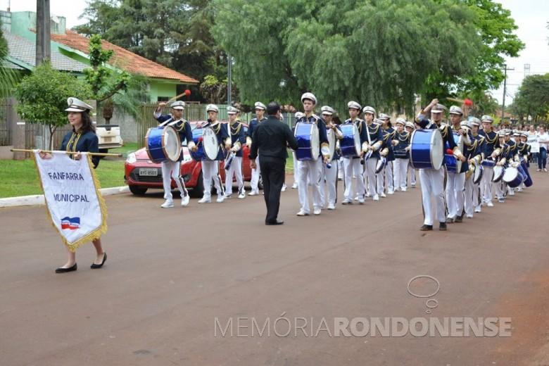 Fanfarra municipal de Quatro Pontes fazendo um segundo momento do desfile cívico de 2018.  Imagem: Acervo Imprensa PM-Quatro Pontes - Crédito: Milena Vargas - FOTO 8 -