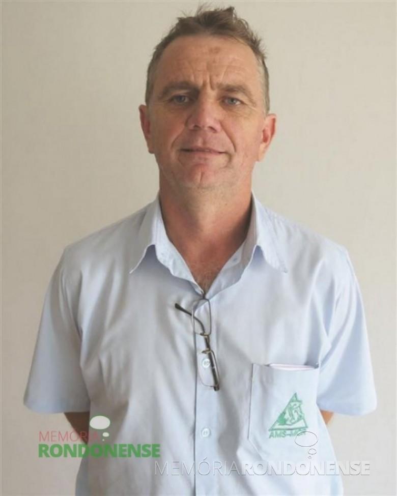 O suinocultor Sérgio Luiz Barbian reeleito para a presidência da Associação Municipal de Suinocultores de Marechal Cândido Rondon - AMS-MCR, para o biênio 2016/2017.  Imagem: Acervo O Presente - FOTO 6 -