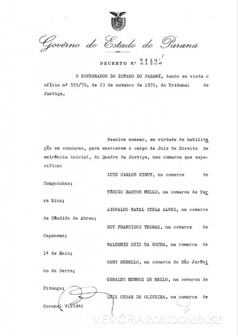 Cópia do Decreto nº 21.429, que trata de nomeações , entre elas a do Dr. Jossoé do Amaral Campos e do Dr. José Carlos Lins Santos (1ª folha)  Imagem: Acervo Arquivo Público do Paraná - FOTO 9 -
