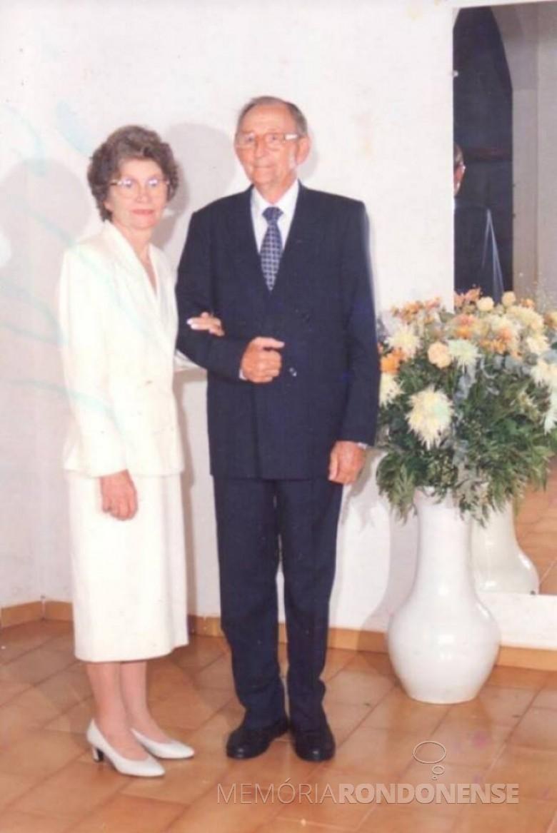 A pioneira Norma Pöttcher com o esposo Arlindo Alberto Lamb (ambos em memória), no dia das Bodas de Ouro. Imagem: Acervo particular da Família AA Lamb