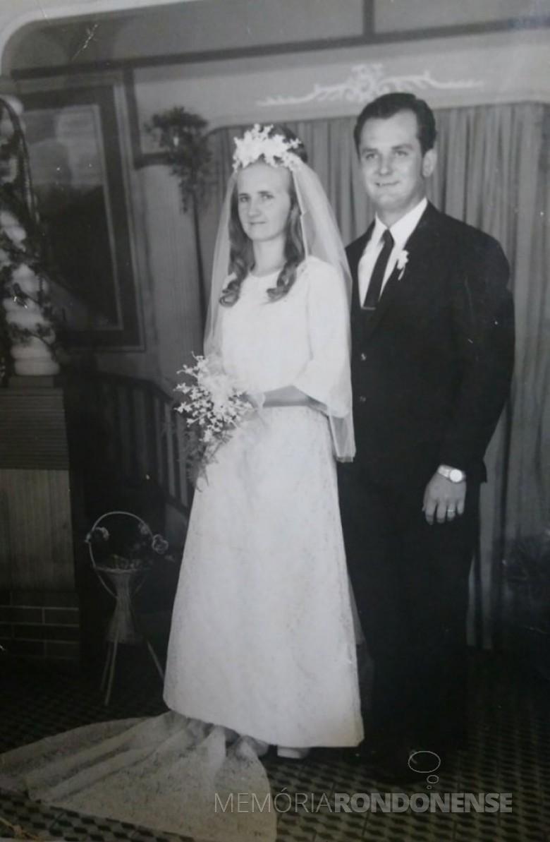 Os jovens pioneiros Noeli Prediger e Waldir Dali Scherer que se casaram em novembro de 1971.  Imagem: Acervo do casal - FOTO 2 -