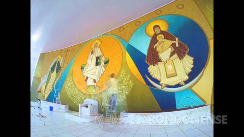 Painel iconográfico junto ao presbitério da Igreja Maria - Mãe da Igreja, no Bairro Botafogo, em Marechal Cândido Rondon.  Imagem: Acervo Memória Rondonense - FOTO 8 -
