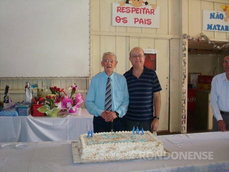 Pastor Guilherme Lüdke (em memória), na comemoração do seu 103 aniversário, na cidade Marechal Cândido Rondon, em companhia de Matias Graff . Imagem: Acervo Matias Graff