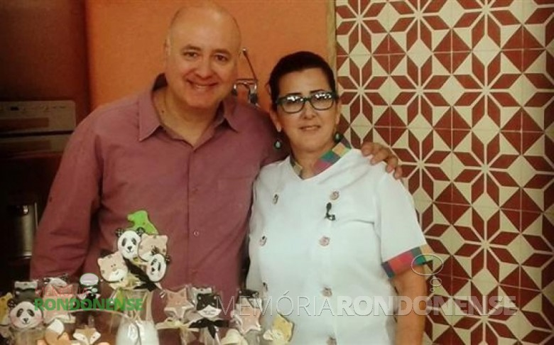 A rondonense cookie designer Fátima Maciel com o apresentador Daniel Bork, do espaço culinário do programa