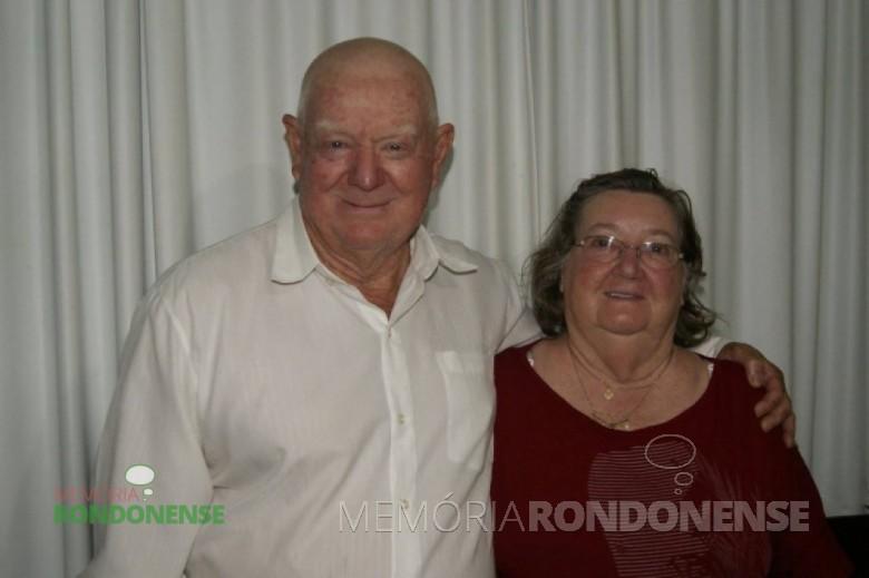 Ronarte Schulz com a esposa Sônia  - ele filho do casal pioneiro Ernesto e Selma Schulz Imagem:  Acervo Cristiano Viteck