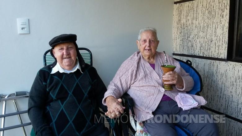 Casal Francisco Vilma e Osvino Ernesto Wolfart na comemoração de suas Bodas de Brilhante, em 2018.  Imagem: Acervo Inge Wolfart - FOTO 14 -