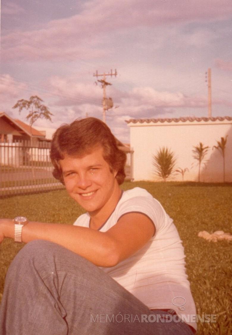 Jovem Carlos Thessing falecido em 29 de janeiro de 1978.  Imagem: Acervo Brunilda Priesnitz Thessing - FOTO 1 -