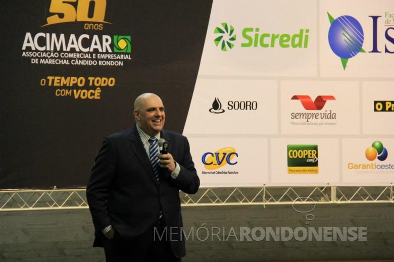 Maurício Louzada em sua palestra em Marechal Cândido Rondon, em setembro de 2018.  Imagem: Acervo O Presente - Crédito: Promove - FOTO 10  -