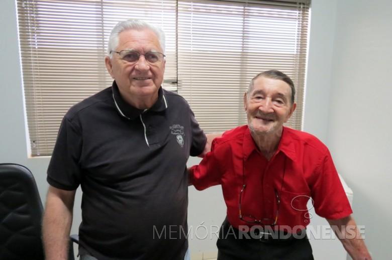 Elmo Lauro Gall (d) ex-vereador da Câmara Municipal de Marechal Cândido Rondon recebido pelo atual Presidente do Legislativo, vereador Pedro Rauber.  Imagem: Acervo Imprensa CM-MCR - FOTO 12 -