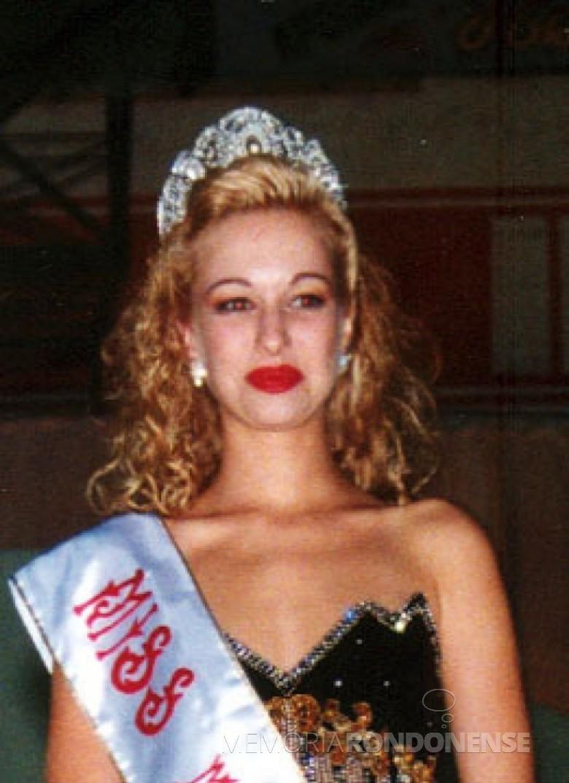 Ângela Weirich eleita Miss Paraná 1997, na cidade de Campo Largo, em agosto de 1996.  Imagem: Acervo Rafael Sturm - FOTO 6 -