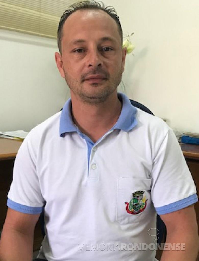 Kleber Luiz Duarte que assumiu a Secretaria de Esportes e Lazer de Pato Bragado, em 11 de setembro de 2017.  Imagem: Acervo Imprensa - PM-Pato Bragado - FOTO 7  -