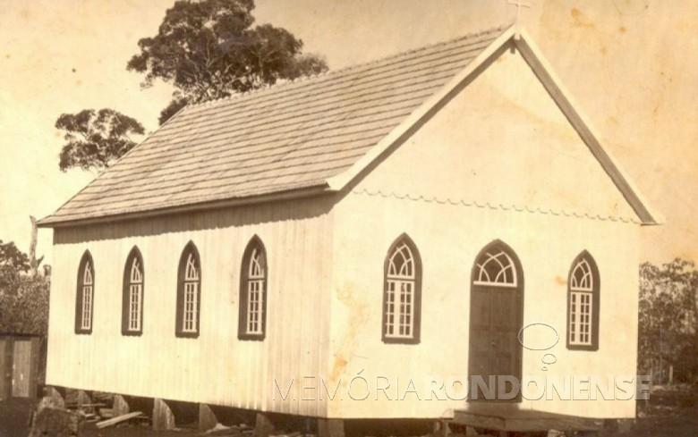 Primeira igreja da Comunidade Luterana Cristo completamente demolida em 07 de abril de 1970. Imagem: Acervo Família Seyboth - FOTO 1 -