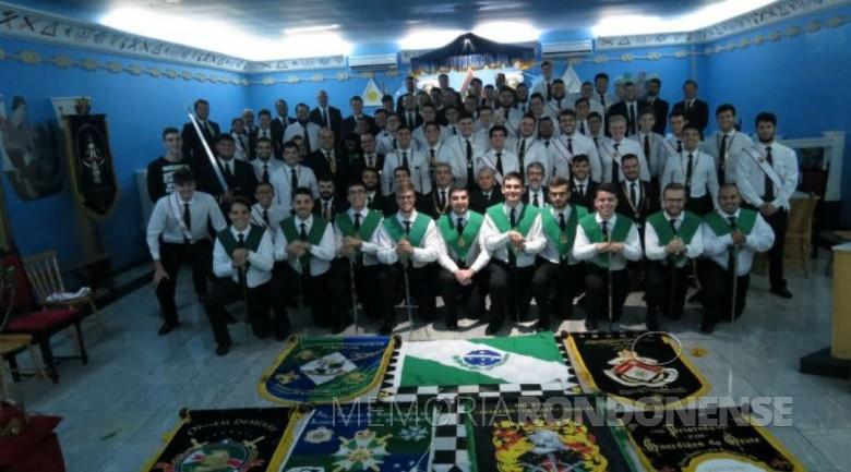 Grupo de participantes do X Encontro Paranaense da Ordem Cavalaria.  Imagem: Acervo MCR Destaque - FOTO 5 -