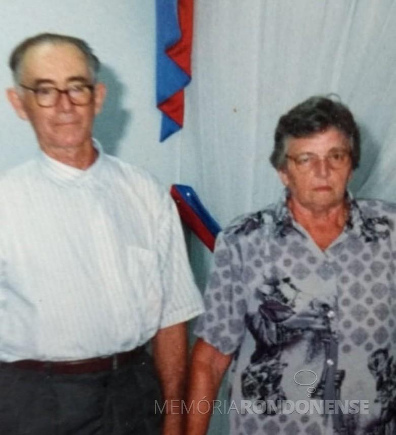 Pioneiro Arnaldo Storck com a esposa Edi, ele falecido em 07 de setembro de 2018.  Imagem: Acervo Alceu Storck - FOTO 6 -
