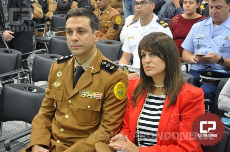 Major Saulo de Tarson Sanson da Silva e esposa, ele assumiu o comando do Batalhão de Polícia de Fronteira (BPFron), em setembro de 2018.  Imagem: Acervo Portal da Cidade - FOTO 10 -