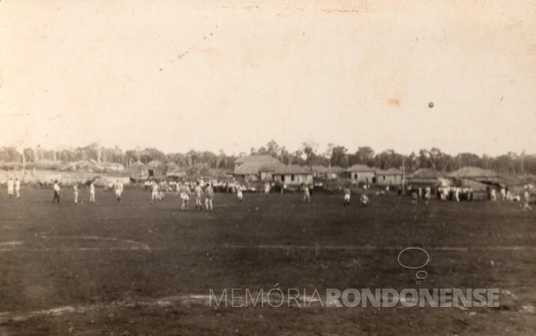 Oeste Paraná FC jogando em Novo Sarandi contra o Ouro Verde, em 1957.