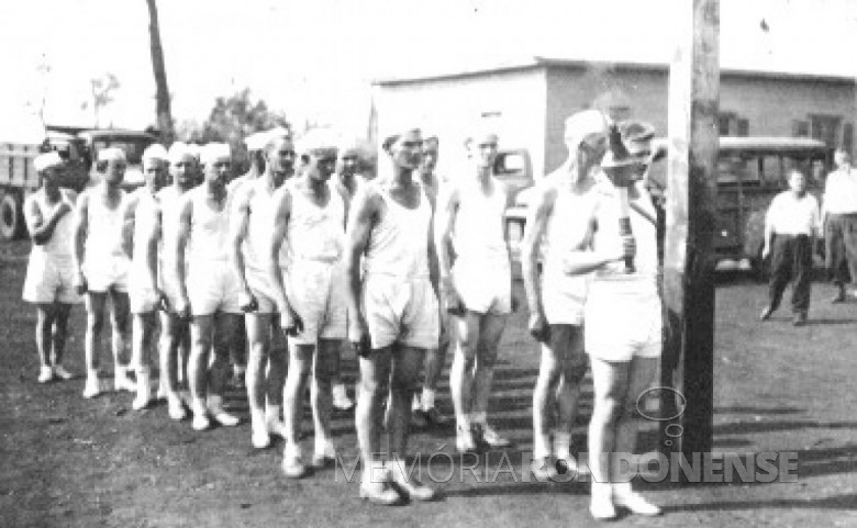 Grupo de jovens rondonenses que conduziram o Fogo Simbólico da Pátria, de Porto Britânia  até a vila de General Rondon, em  setembro de 1954.