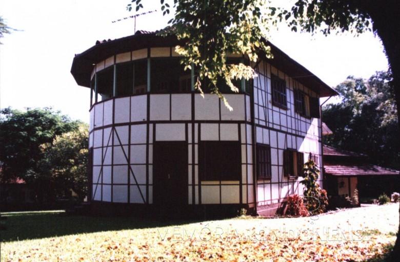 Vista da residência  da Família Seyboth - vista externa.