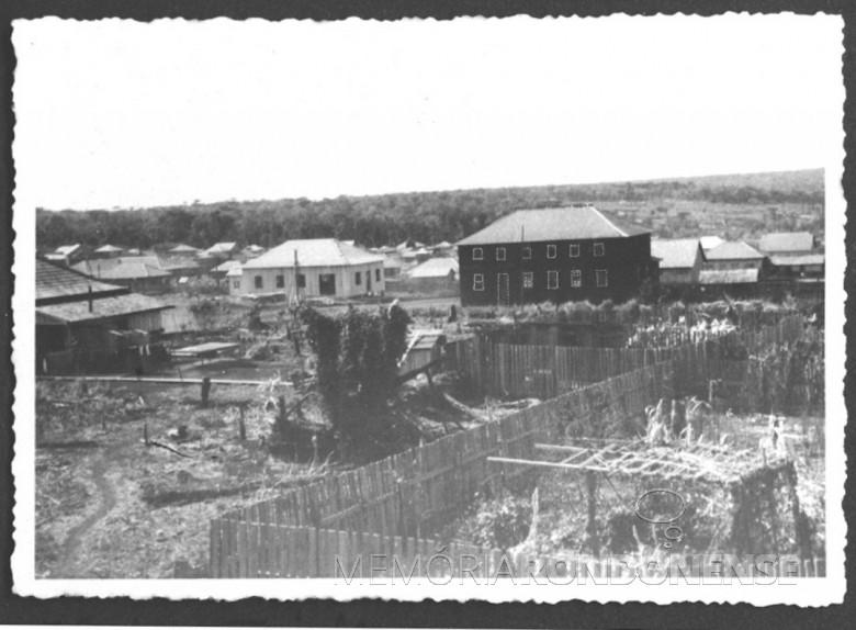 Hotel Avenida e Emporio Toledo, em General Rondon, em  1954.