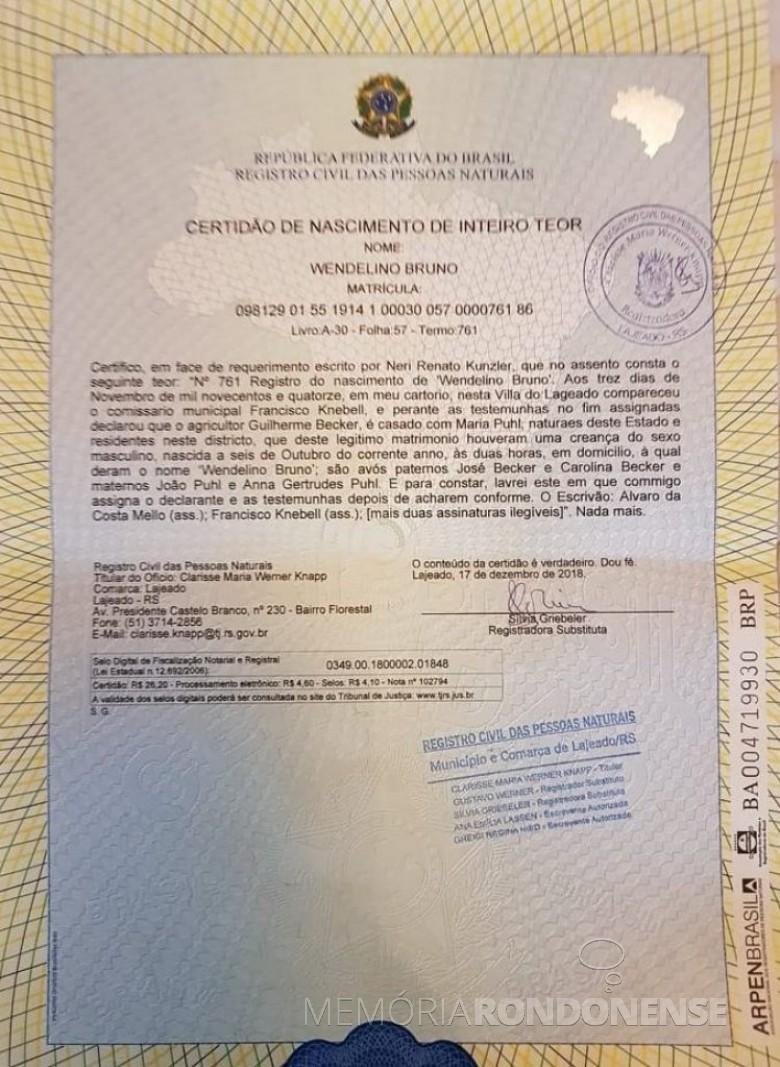 Certidão de nascimento de Vendelino Bruno Becker - pai de Maria Becker, esposa de Adolfo Oscar Kunzler.