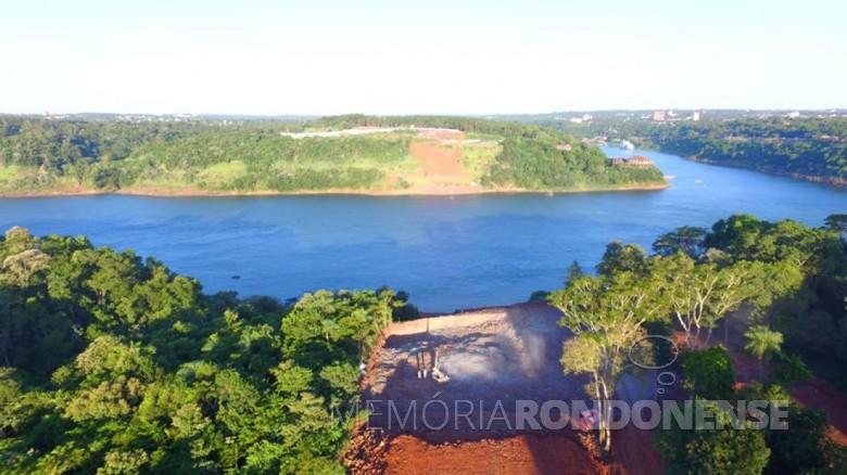 Trabalho no lado paraguaio. Imagem: Acervo Walter Dysarsz - Foz do Iguaçu.