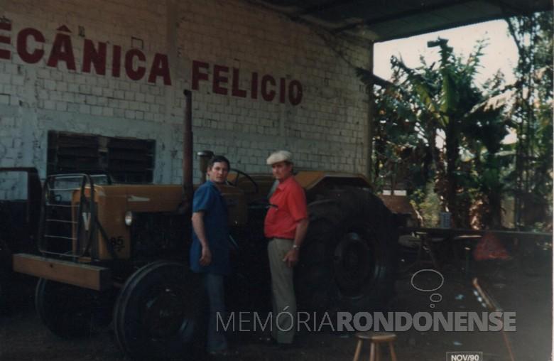 Pioneiro Adolfo Oscar Kunzler junto com o mecânico Felício Schmidt.