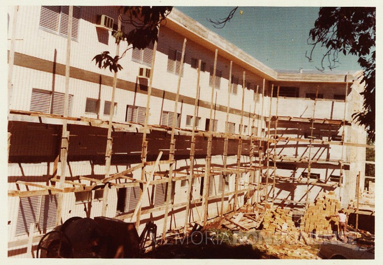 Mais um detalhe da 4ª etapa da ampliação do Hospital e Maternidade Filadélfia, em 1977.