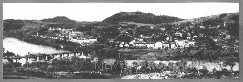 Outra vista de Piratuba, a partir da cidade vizinha de Ipira, SC, em  1951.