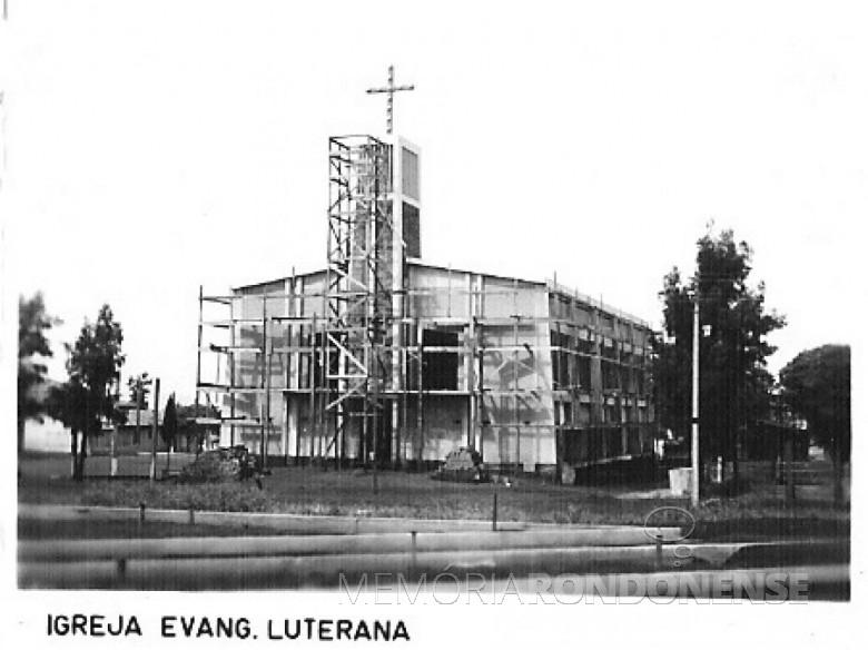 Construção da Igreja Luterana Cristo, em 1980.