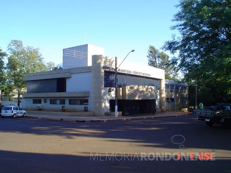 Reforma da fachada externa do Hospital Marechal Rondon, em 2006.