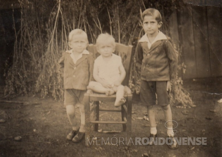 Os irmãos Bausewein: Jacó,  Alfredo e Jorge, em foto de 1941/42, tirada em Erechim, RS.