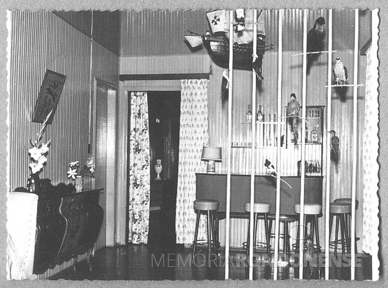 Sala de estar  com bar, na residência do casal Seyboth (Ingrun e Friedrich Rupprecht) em foto tirada em  1957.