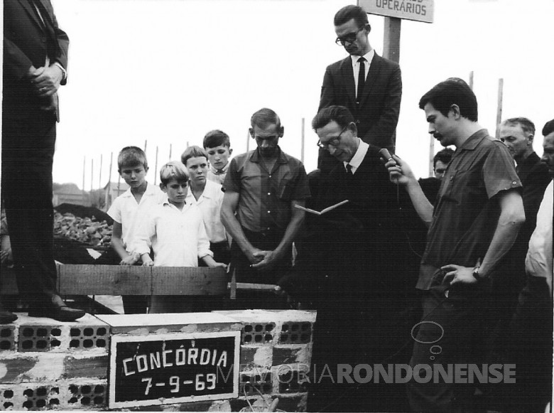 Pedra fundamental Clube Concórdia. 1969