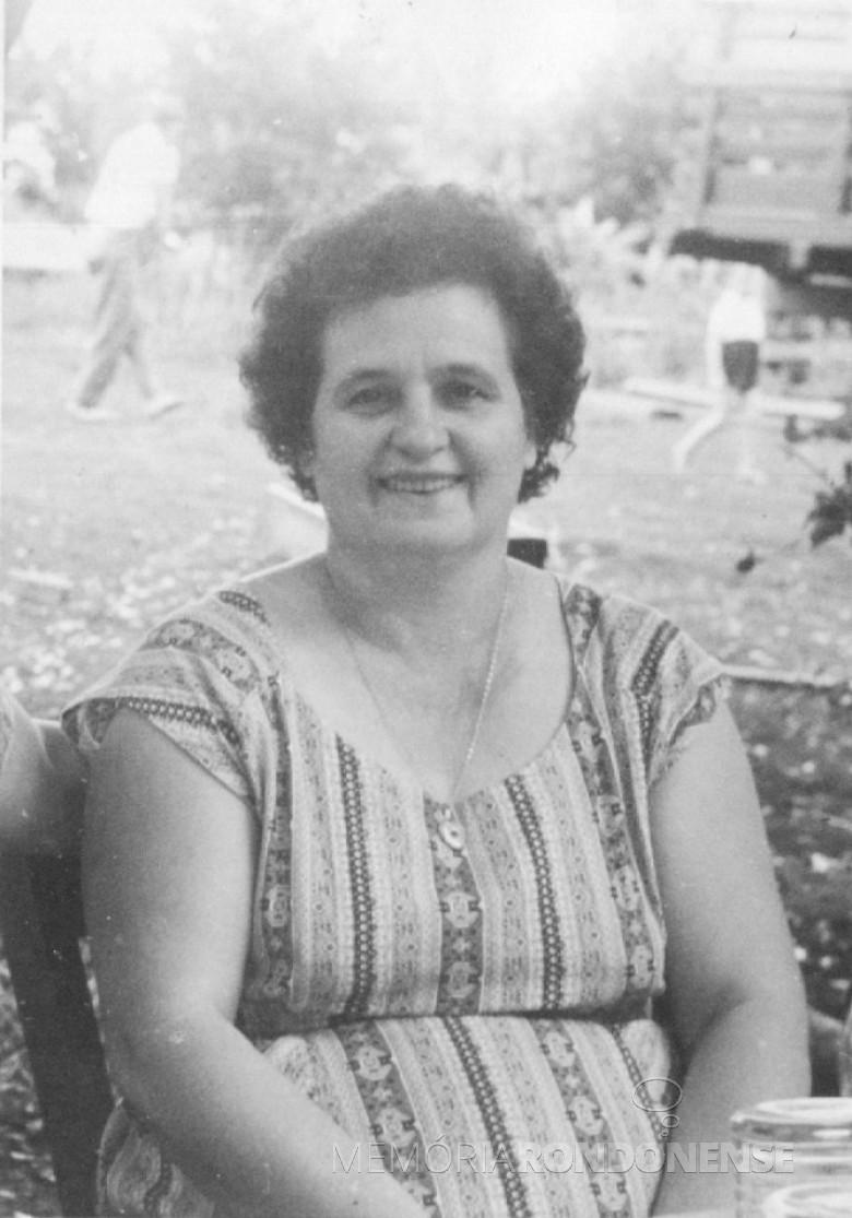 D. Amélia (nascida Vencatto)  Feiden, no Max Lindenau, em Vila Margarida em 1960.